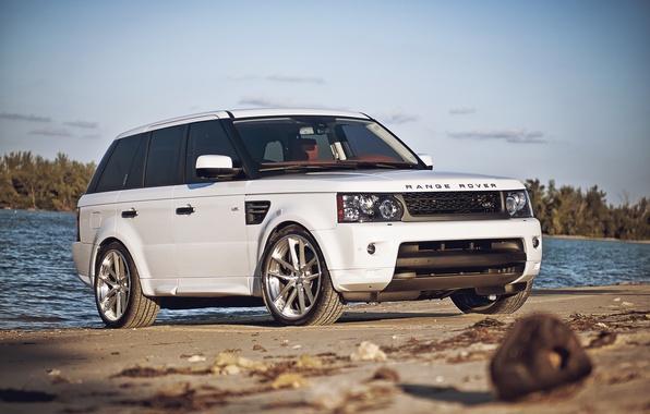 Картинка белый, солнце, спорт, причал, white, Land Rover, Range Rover, речка, блик, Sport, рендж ровер, лэнд …