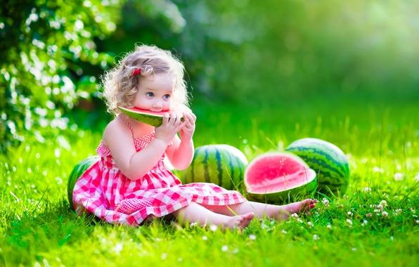 Картинка лето, солнце, поляна, ребенок, арбуз, платье, девочка, summer, happy, dress, beautiful, pretty, child, baby, little …
