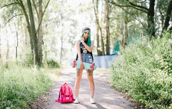 Фото обои стиль, взгляд, цвет, девушка, фон, скейт, волосы