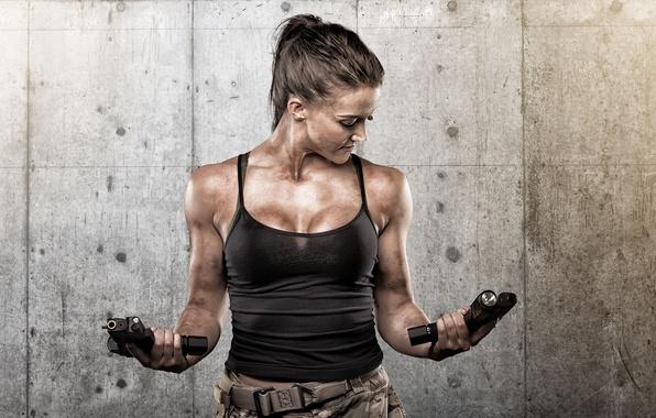 Картинка девушка, лицо, оружие, фон, пистолеты, тело