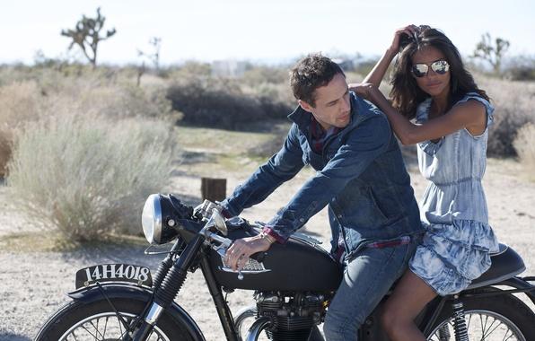 Картинка девушка, обои, пустыня, модель, очки, пара, красавица, мотоцикл, wallpaper, мулатка, парень, супер, эмануэла де паула, …
