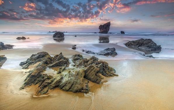 Картинка песок, море, небо, облака, камни, скалы, отлив