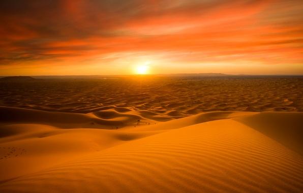 Картинка песок, солнце, закат, природа, пустыня, горизонт, Сахара, Марокко, Мерзуга