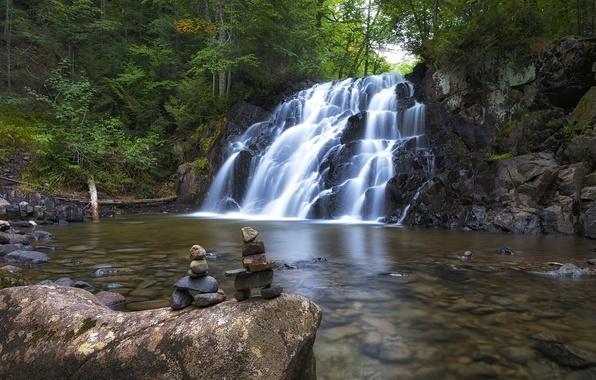 Картинка лес, река, камни, водопад, Канада, Онтарио, Canada, Ontario, инуксуки, Robertson Creek Waterfall, Algoma Highlands, водопад …