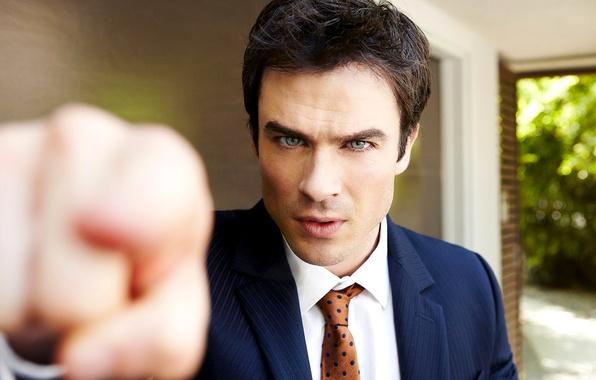 Картинка взгляд, лицо, рука, костюм, актер, мужчина, сериал, The Vampire Diaries, Дневники вампира, Ian Somerhalder, брюнет, …