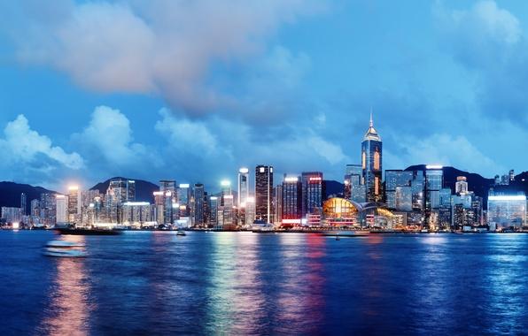 Картинка море, небо, облака, ночь, city, город, lights, огни, река, здания, корабли, Гонконг, горизонт, Китай, river, …