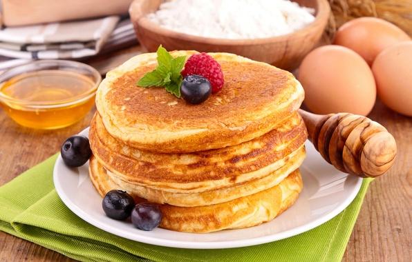 Картинка ягоды, малина, еда, черника, мед, ложка, посуда, блины, мука, блинчики, оладьи