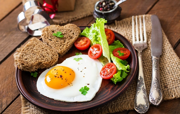 Картинка яйцо, завтрак, хлеб, нож, яичница, помидоры, салат, bread, сервировка, egg, Tomatoes