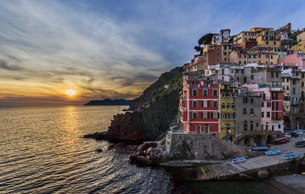 Картинка море, закат, здания, Италия, Italy, Лигурийское море, Riomaggiore, Риомаджоре, Cinque Terre, Чинкве-Терре, Лигурия, Liguria, Ligurian ...