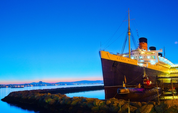Картинка море, небо, камни, корабль, утро, причал, Калифорния, субмарина, США, лайнер, подводная лодка, Queen Mary, Orange …