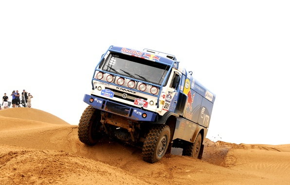 Картинка песок, люди, гонка, пустыня, мастер, дюны, грузовик, россия, rally, ралли, камаз, kamaz, дакар, dakar, master