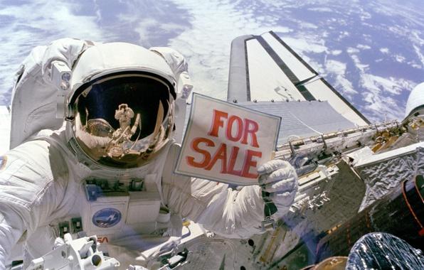 Картинка Земля, Космонавт, Продаёт