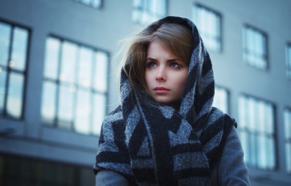 Картинка взгляд, девушка, лицо, одежда, здание, окна, шарф, шатенка, пальто, young, голубоглазая, beauty, боке, светлая, Ira, …