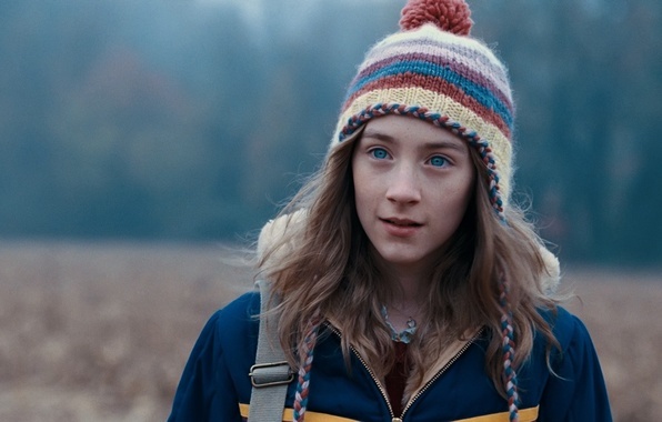 Картинка поле, глаза, взгляд, девушка, шапка, актриса, Saoirse Ronan, Сирша Ронан, Милые кости, The Lovely Bones