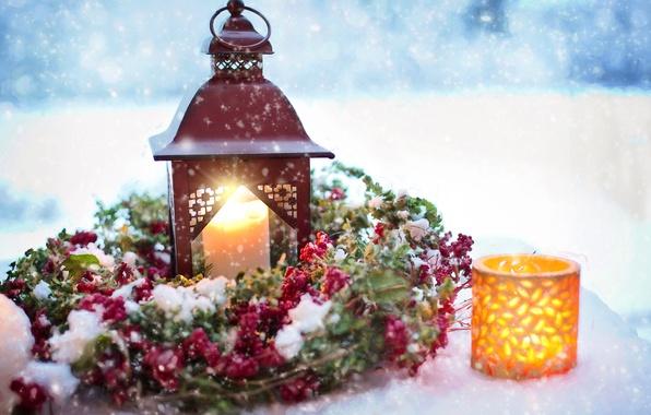 Картинка снег, праздник, свечи, фонарик, Новый год, украшение, венок