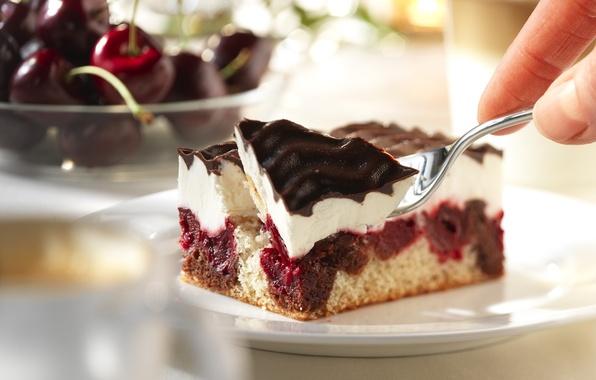 Картинка вишня, еда, тарелка, пирожное, вилка, крем, десерт, глазурь