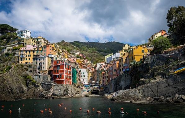 Картинка море, побережье, здания, Италия, Italy, Лигурийское море, Riomaggiore, буи, Риомаджоре, Cinque Terre, Чинкве-Терре, Лигурия, Liguria, ...