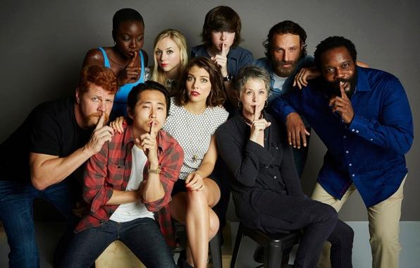 Картинка актёры, The Walking Dead, знак тишины, Ходячие