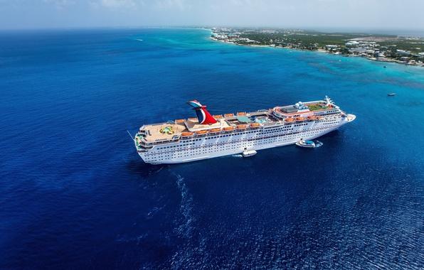 Картинка море, небо, облака, берег, лодка, корабль, катер, лайнер, теплоход
