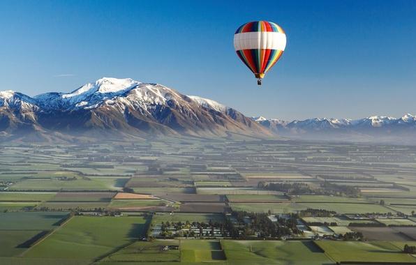 Картинка пейзаж, горы, природа, воздушный шар, фото, поля