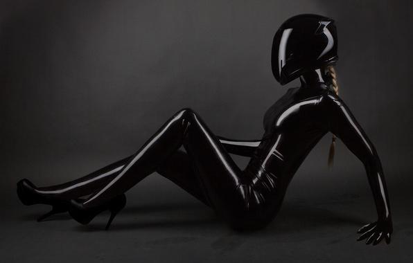 Фото обои latex suit, Helmet, black, pose, blonde, woman
