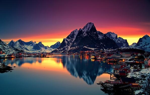 Картинка зима, небо, снег, горы, ночь, огни, озеро, рассвет, дома, Норвегия, Lofoten