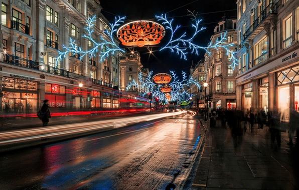 Картинка зима, дорога, ночь, город, огни, люди, улица, Англия, Лондон, здания, дома, выдержка, Великобритания, гирлянды, праздники, …