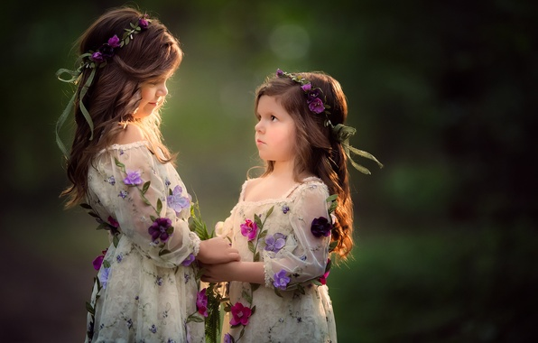 Картинка цветы, фон, настроение, девочки, венки, сестрички