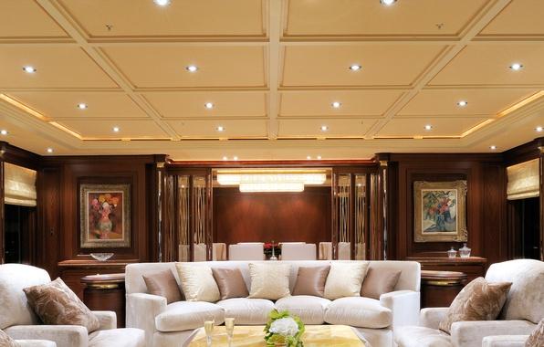 Картинка комната, диван, дерево, интерьер, двери, подсветка, кресла, картины, столик, люстра.