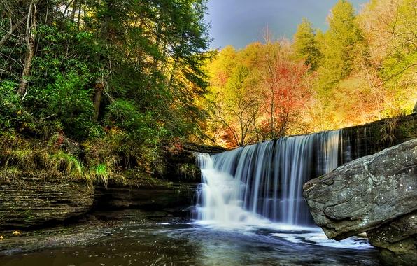 Картинка осень, лес, небо, река, камни, скалы, водопад