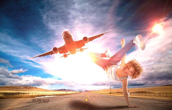 Картинка дорога, небо, девушка, солнце, облака, полет, самолет, креатив, настроение, танец, джинсы, майка, брейк