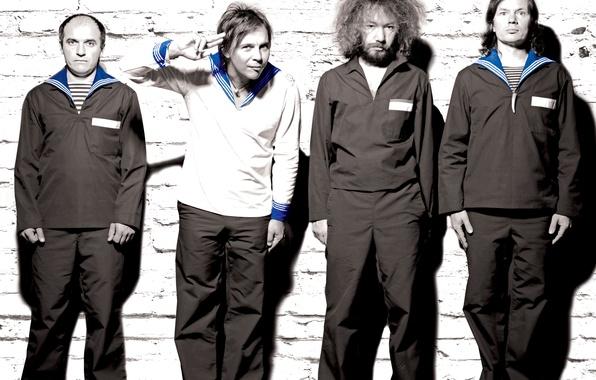 Фото обои Владивосток, мумий тролль, олег пунгин, моряки, поп, рок, группа, евгений звидённый, юрий цалер, илья лагутенко