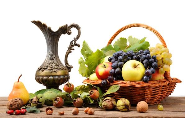 Картинка стол, корзина, яблоки, шиповник, виноград, груша, кувшин, фрукты, орехи, натюрморт
