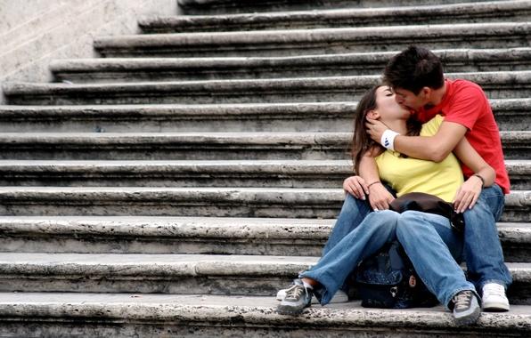 Картинка любовь, девушки, настроения, нежность, чувства, дружба, ступеньки, love, парни, отношения, girls, kiss, mood, поцелуи, привязанность, …