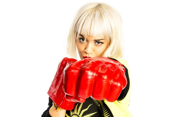 Картинка поза, перчатки, певица, Rita Ora, Рита Ора