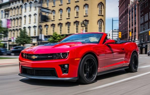 Картинка Красный, Дорога, Город, Chevrolet, Машина, Кабриолет, Движение, Здания, Камаро, Шевроле, City, Camaro, Red, Автомобиль, Cars, …