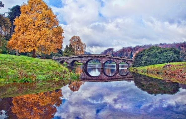 Картинка осень, небо, облака, деревья, мост, пруд, Англия, England, Wiltshire
