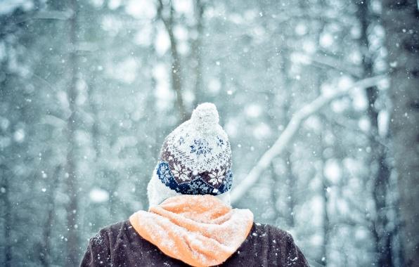 Картинка зима, лес, снег, настроение, шапка, человек, парень