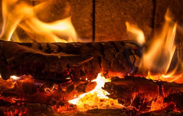 Обои огонь камин дрова угли на рабочий стол  картинки