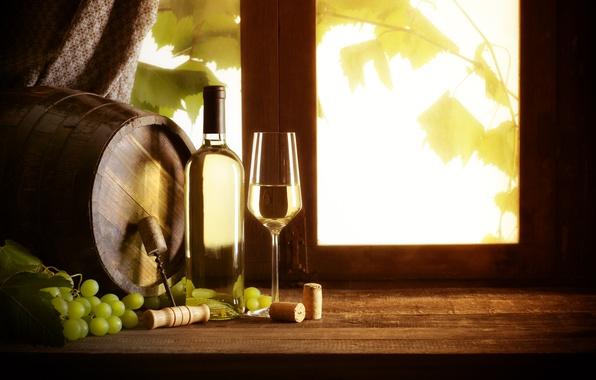 Картинка вино, белое, бокал, бутылка, окно, виноград, пробки, штопор, лоза, бочонок