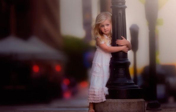 Картинка город, столб, платье, девочка, боке