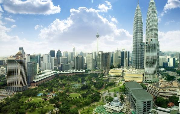 Картинка небо, облака, парк, дома, небоскребы, панорама, Малайзия, Kuala Lumpur, Malaysia, Куала-Лумпур