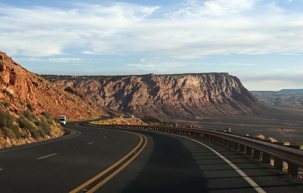 Картинка дорога, машина, горы