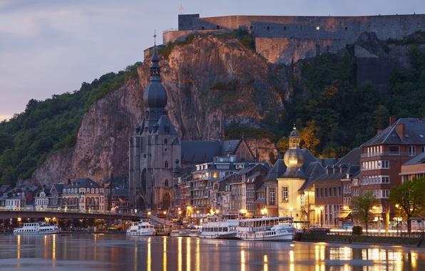 Картинка закат, мост, огни, скала, река, Франция, дома, вечер, фонари, храм, крепость, теплоходы, Lutzelbourg