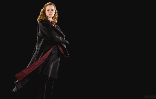 Картинка девушка, актриса, красотка, Эмма Уотсон, Emma Watson, чёрный фон, Hermione Granger, Гермиона Грейнджер