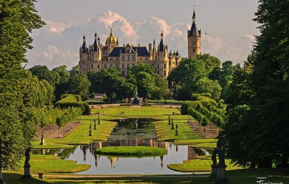 Картинка небо, облака, деревья, цветы, природа, парк, замок, Германия, сад, день, архитектура, Шверин
