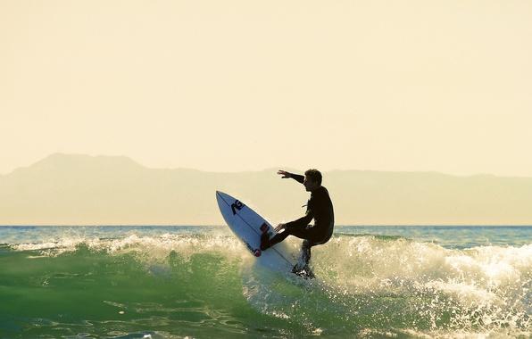 Картинка волны, лето, брызги, холмы, всплеск, силуэт, серфер, серфинг, солнечный, экстремальный спорт, доска для серфинга