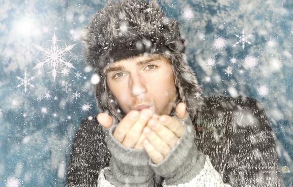 Картинка взгляд, снег, шапка, парень, свитер