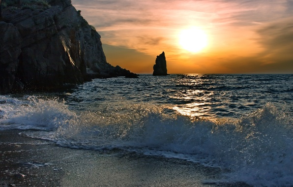 Картинка песок, море, волны, небо, вода, солнце, лучи, свет, пейзаж, брызги, природа, скалы, рассвет, берег, волна, ...