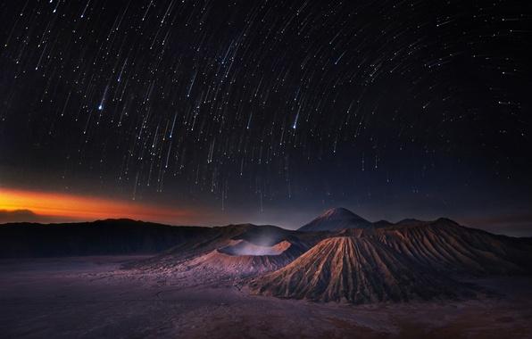 Картинка небо, космос, звезды, горы, ночь, вселенная, space, universe, sky, night, mountains, stars, звездопад, shooting stars